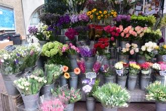 Flower shop at Embankment Tube Station. Photo by Erin K. Hylton 2019.